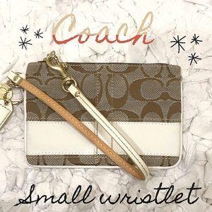 Coach Small Wristlet (Clean White)